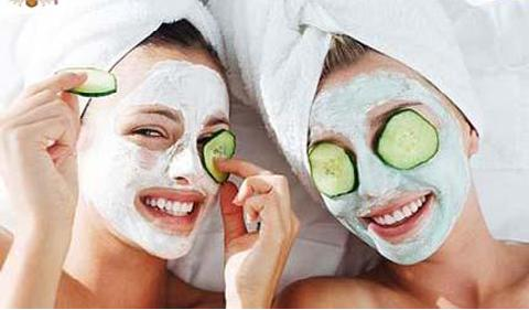 Image Credit: http://alongcamehollybarry.blogspot.com/2013/08/homemade-skincare-face-masks.html