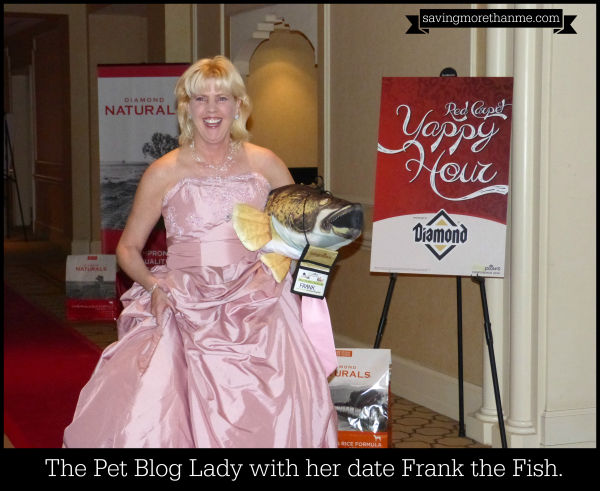 The Pet Blog Lady with her date Frank the Fish. #diamondnaturals #blogpaws savingmorethanme.com