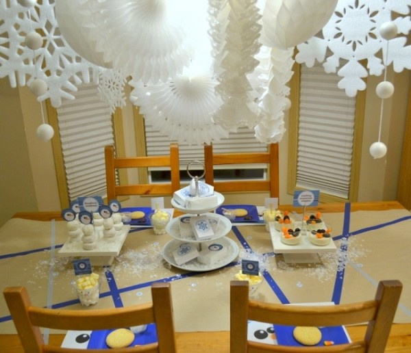 snow table decorations