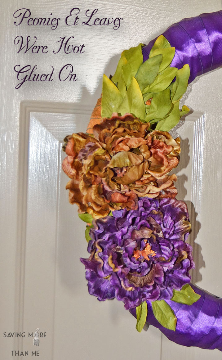 Not Your Traditional Fall Wreath #HappyFall savingmorethanme.com