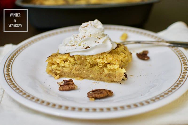 Pumpkin Spice Pecan Dump Cake winterandsparrow.com