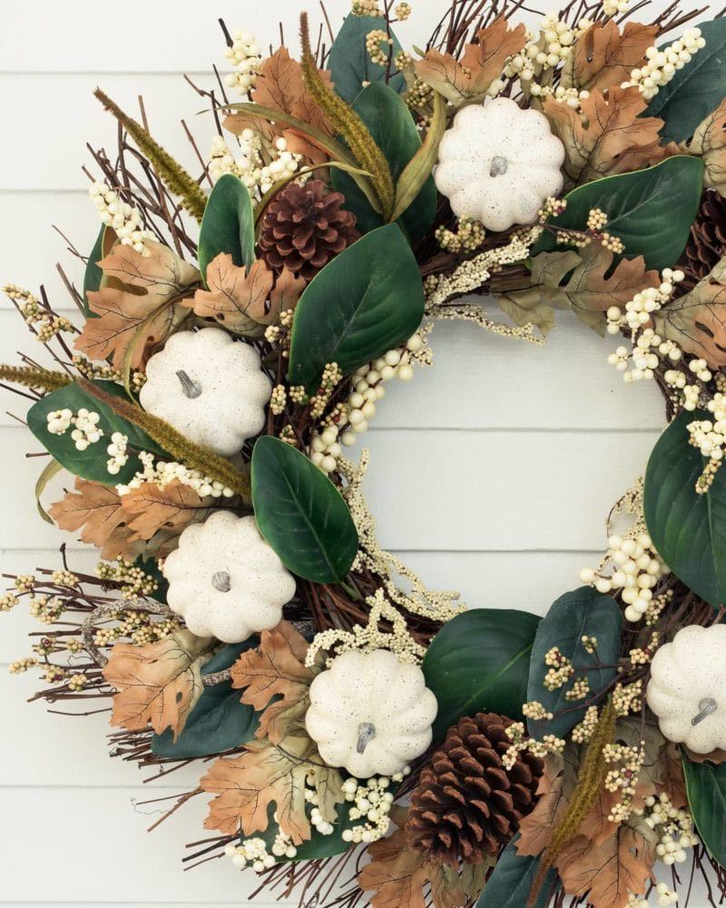 17 Stunning Fall Wreaths + A Free Watercolor Download | winterandsparrow.com #fallwreaths #autumnwreaths #fallwreathideas #autumnwreathideas #autumnwatercolor